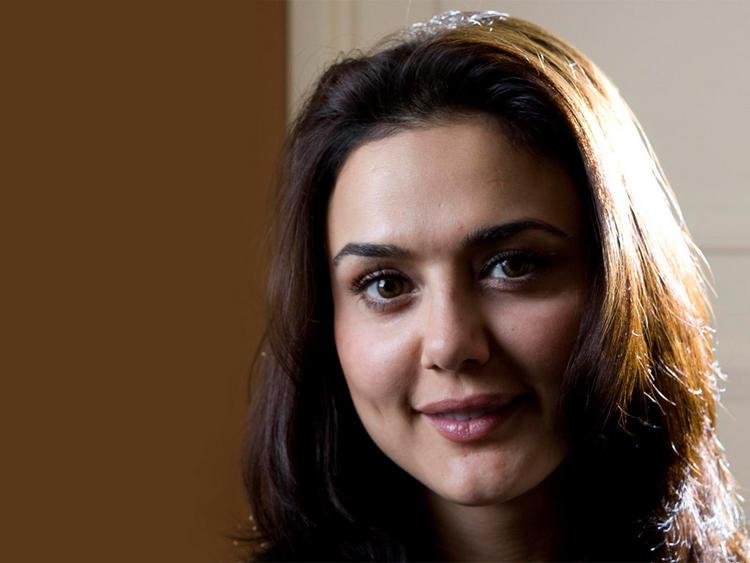 Preity Zinta Cute Smiling Pics