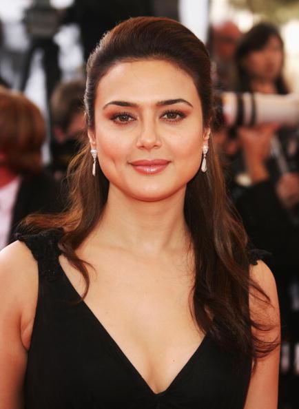Preity Zinta Dazzling Face Look Nice Pics