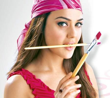 Preity Zinta Fresh Wallpaper With Paint Brush