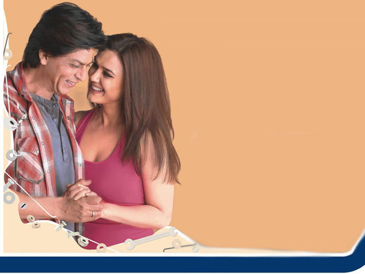 Preity Zinta With Shahrukh Khan Smiling Pics