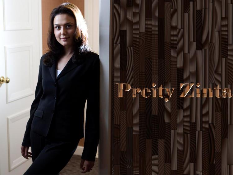 Preity Zinta Smart Look Wallpaper