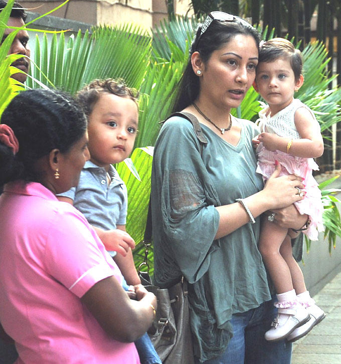 Manyata Dutt With Her Kids At Hinduja Healthcare