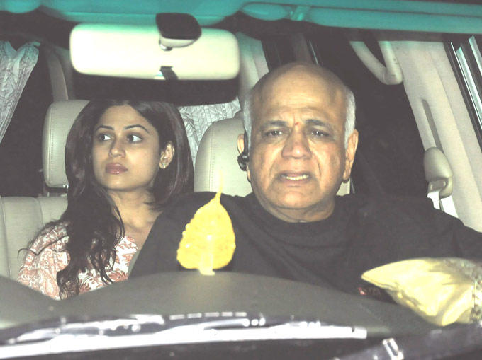 Shamita Shetty With Her Father Surendra Shetty In A Car