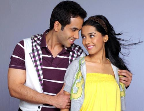 Amrita and Tushar Romance Still in Love U Mr Kalakaar Movie