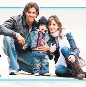 Hrithik Roshan and Suzanne Poses With Son