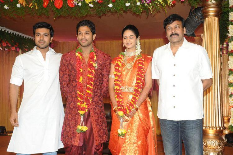 Allu Arjun and Sneha Poses With Telugu Stars