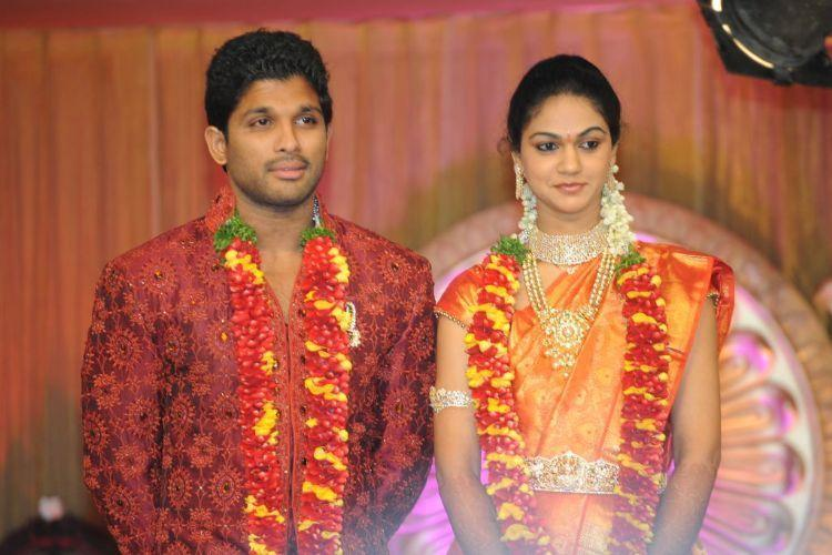 Allu Arjun and Sneha Reception Still