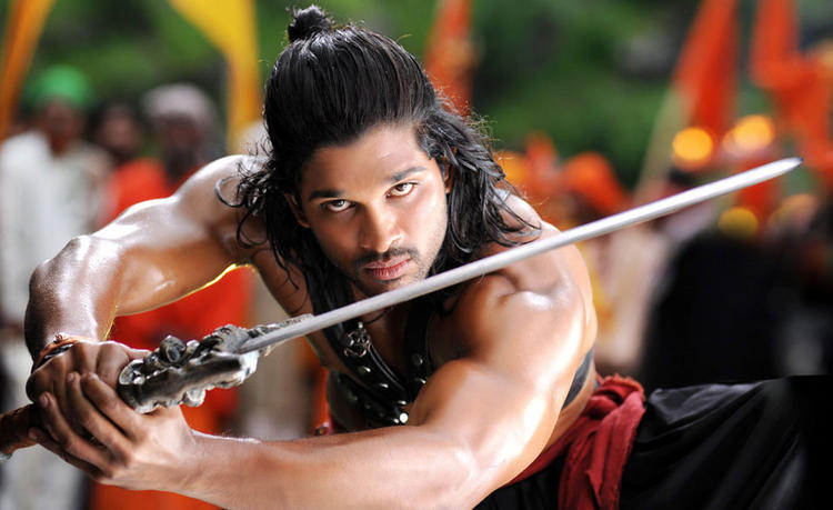 Badrinath Movie Allu Arjun Hot Eyes Look Still
