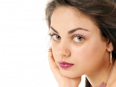 Mila Kunis Beautiful Eyes Look Still