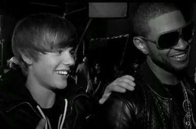Justin Bieber Sexy Smiling Pic