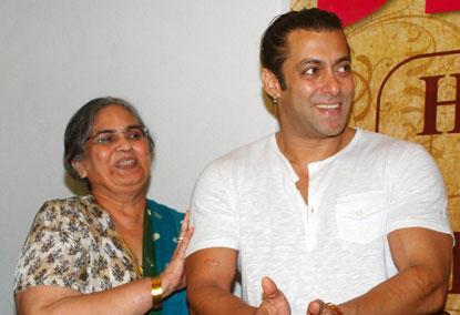 Salman Khan With His Mother Salma Khan Nice Pic