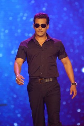 Salman Khan Smart And Nice Look Pic