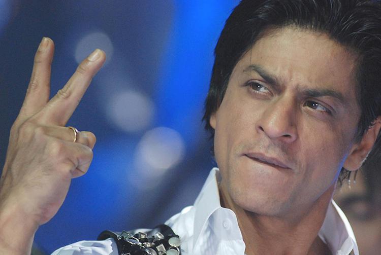 Shahrukh Khan Showing Victory
