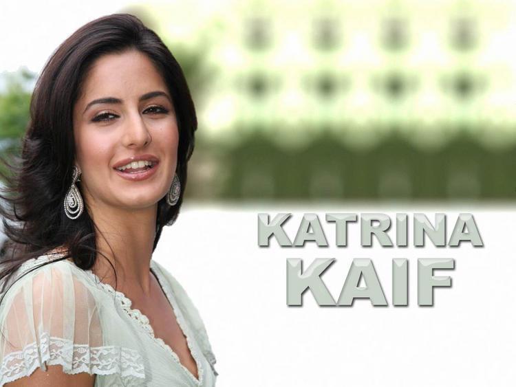 Cute Actress Katrina Kaif Wallpaper