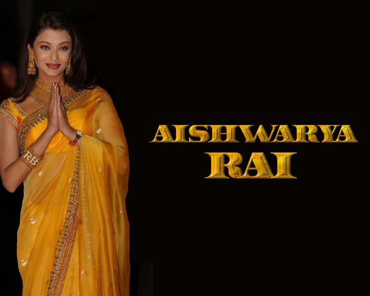 Aishwarya Rai Beautiful Indian Look Wallpaper
