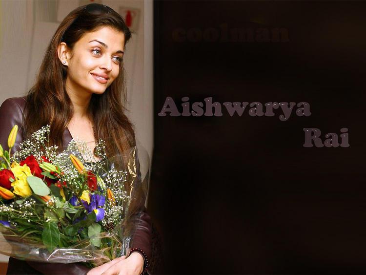 Aishwarya Rai Cute Face Look Wallpaper
