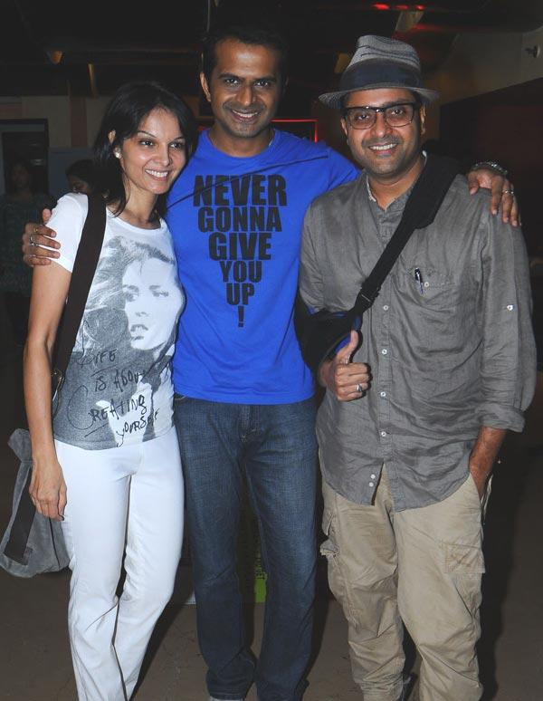 Siddharth Poses With Seema and Ash at Screening Of Love Wrinkle Free