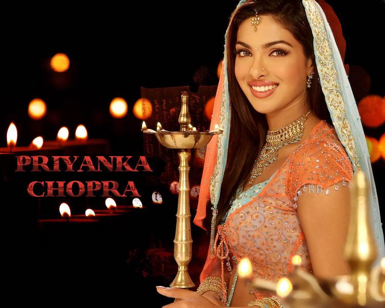 Priyanka Chopra Cute And Lovely Smiling Wallpaper
