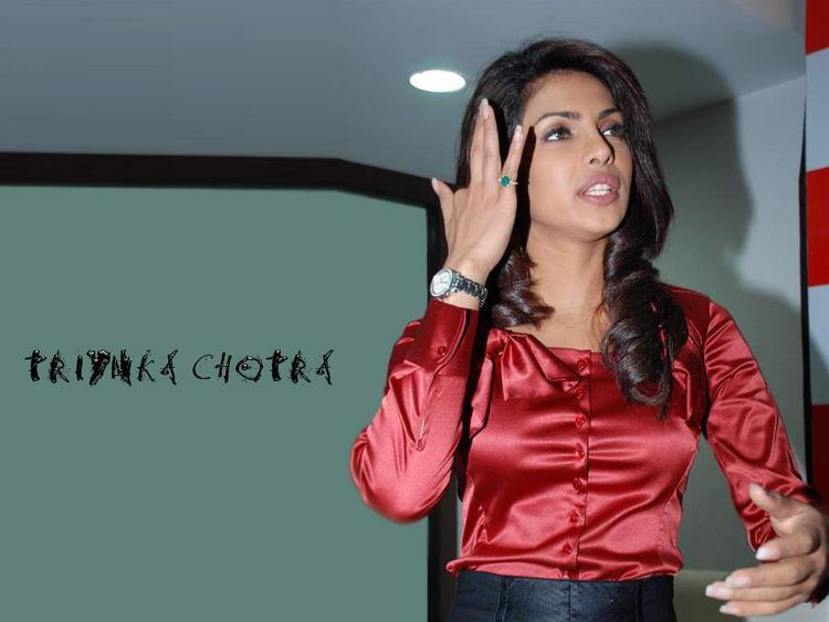 Priyanka Chopra Cute Lips Wallpaper