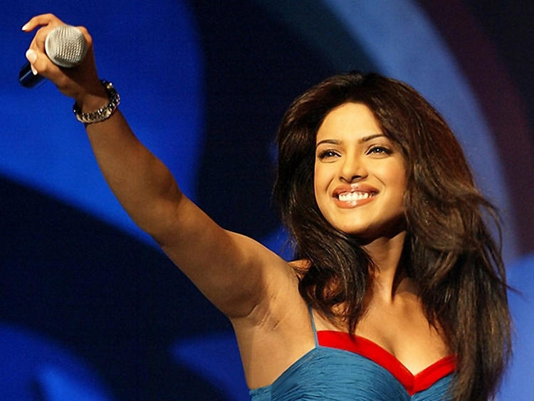 Priyanka Chopra Cute Smiling Pic