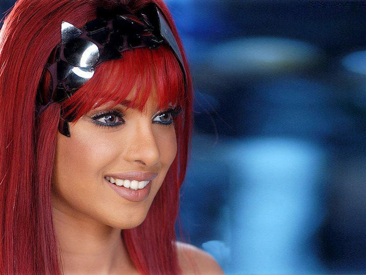 Priyanka Chopra Red Hair Style In Love Story 2050