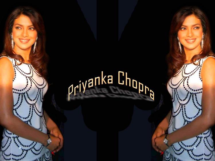 Priyanka Chopra Simple Look With Smiling Wallpaper