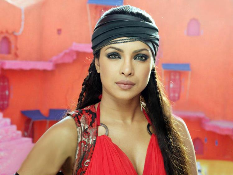 Priyanka Chopra Spicy Look Pic