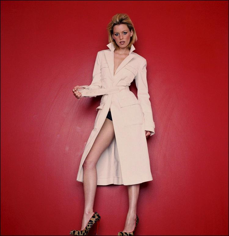 Elizabeth Banks Glamor Photo
