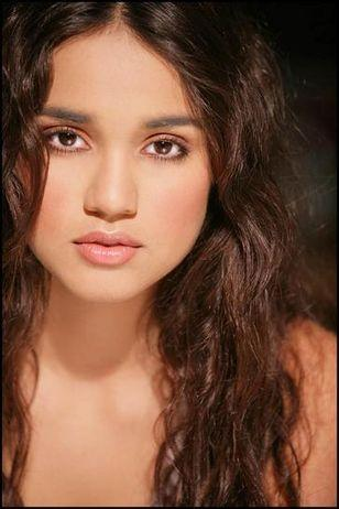 Summer Bishil Cute Look Photo