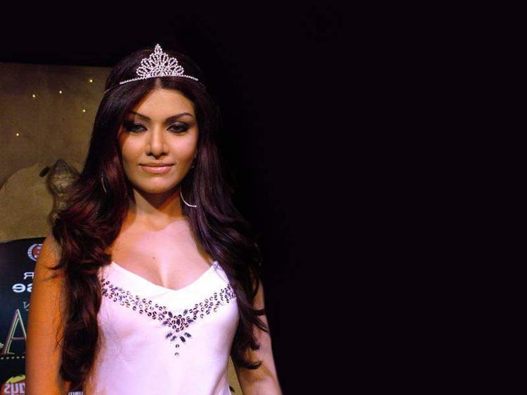 Koena Mitra Looking Beautiful Wearing Crown
