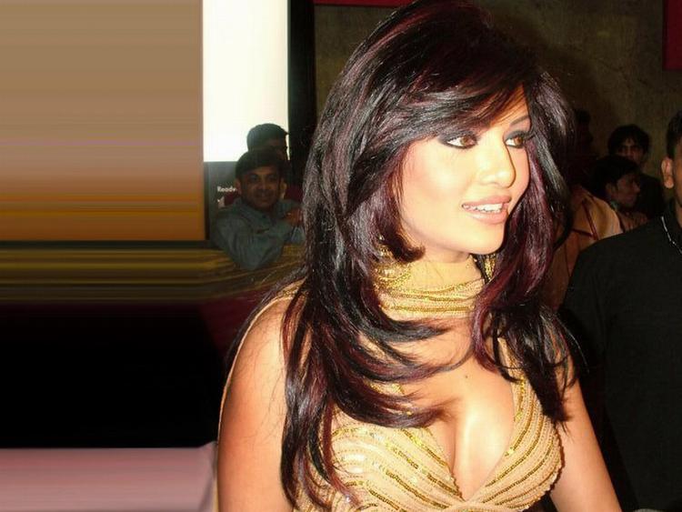 Koena Mitra Stunning Face Look Still