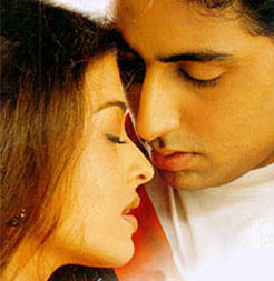 Abhishek Bachchan and Aish Romance Still