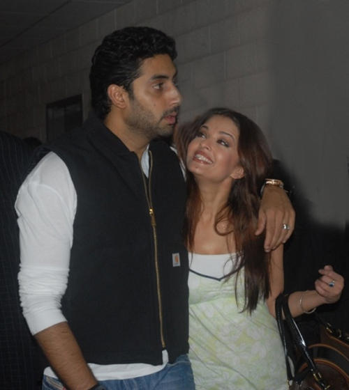 Abhishek Bachchan and Aish Sweet Sexy Still