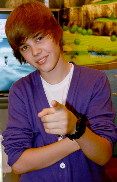 Justin Bieber Cute Look Pic