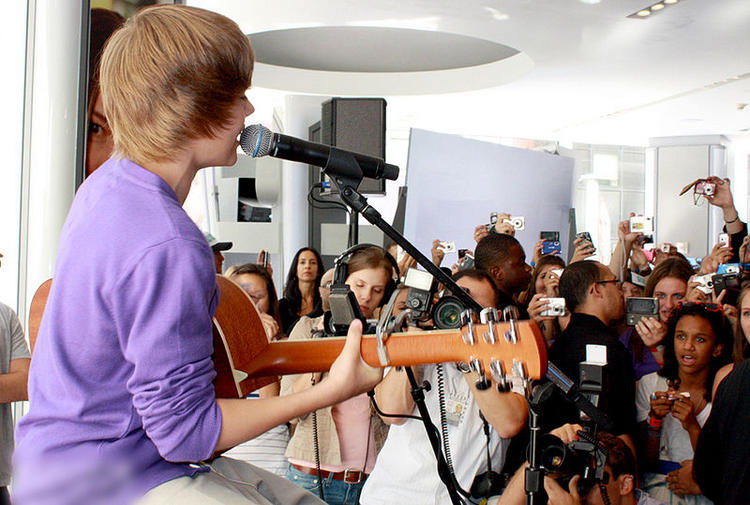 Musician Justin Bieber Visits the Nintendo World Store