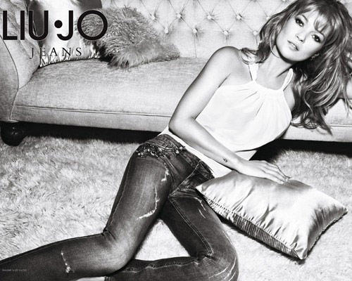 Kate Moss Spicy Pose Photo Shoot