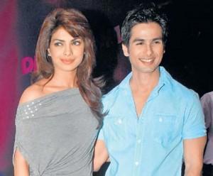 Priyanka Chopra And Shahid Hot Glamour Look Pic