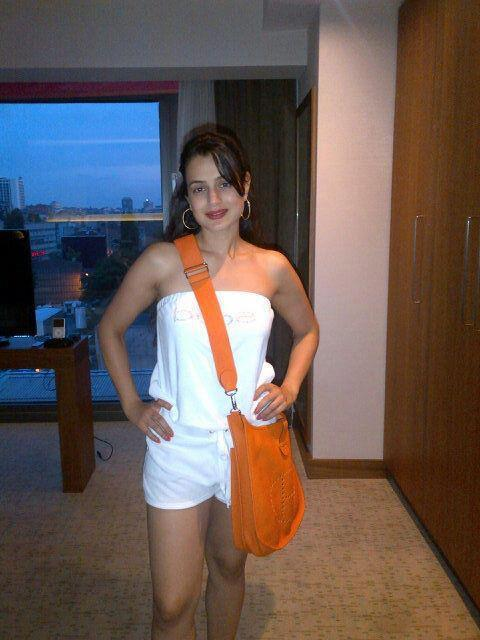 Amisha Patel Looks Sexy In Mini Dress on the Sets of Race 2