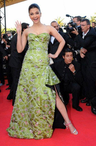 Most Beautiful Woman Aishwarya Rai Cute and Sexy Look at Cannes