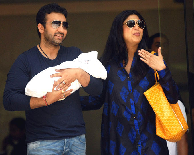 Shilpa and Raj Kundra Presenting Their New Born Boby Boy In Hinduja Hospital