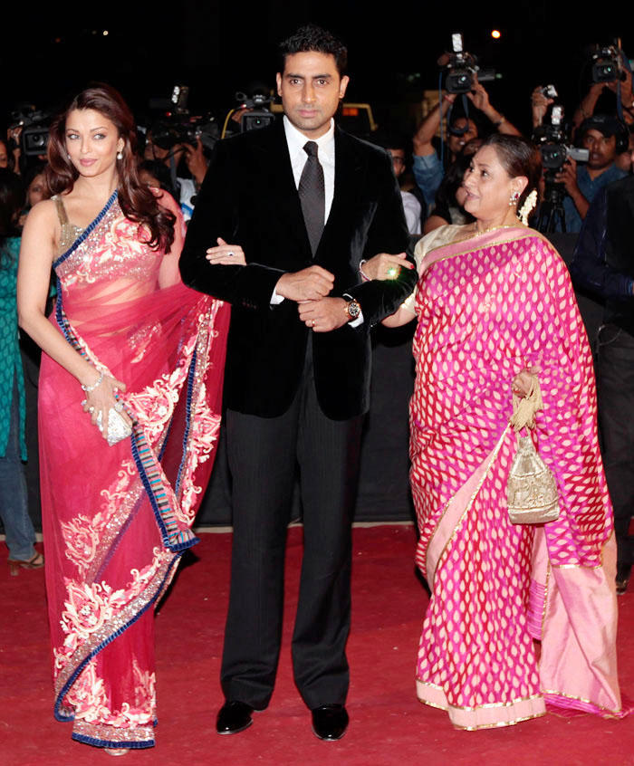 Abhishek,Aish and Jaya Latest Photo