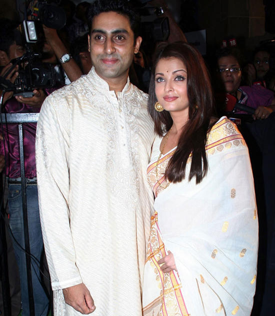 Aish and Abhi Beautiful Look Pic
