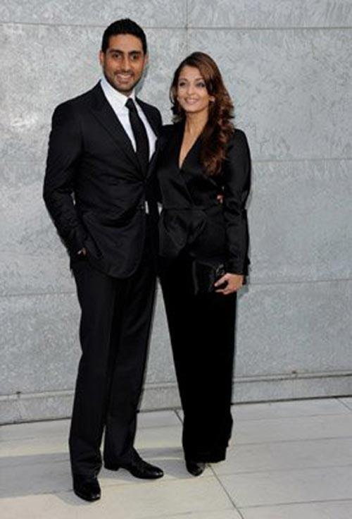 Aish and Abhi Latest Photo In Black Blazer