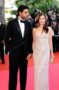 Aish and Abhi Latest Pic on Red Carpet