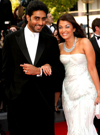 Aish and Abhi Swetest Pic At Cannes