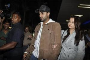 Aishwarya and Abhishek Return From The Oscars