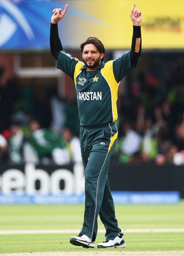 Shahid Afridi Celebrates To Taking Wicket