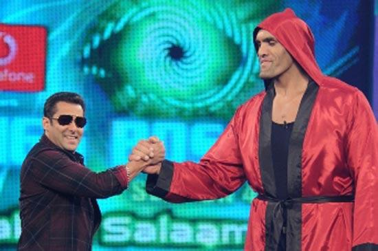 The Great Khali With Salman Khan In Bigg Boss Season 4