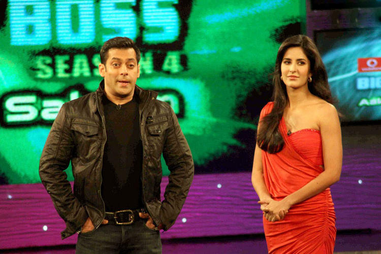 Katrina Kaif With Salman In Bigg Boss Season 4