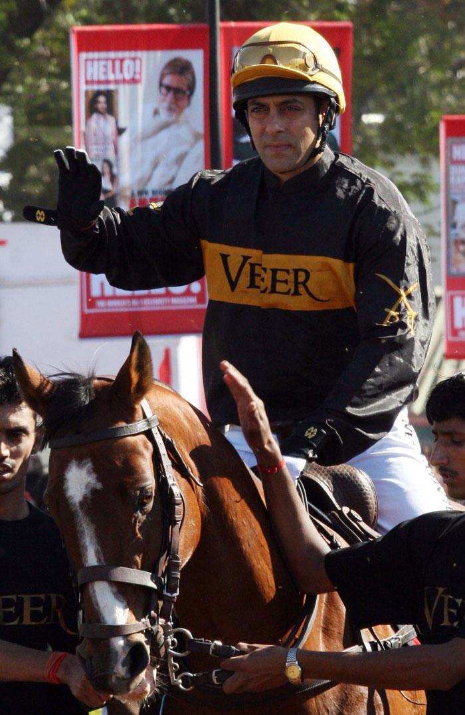 Salman Khan Horse Riding Pic